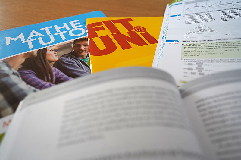 Prüfungsbücher - CMS Cross Media Solutions